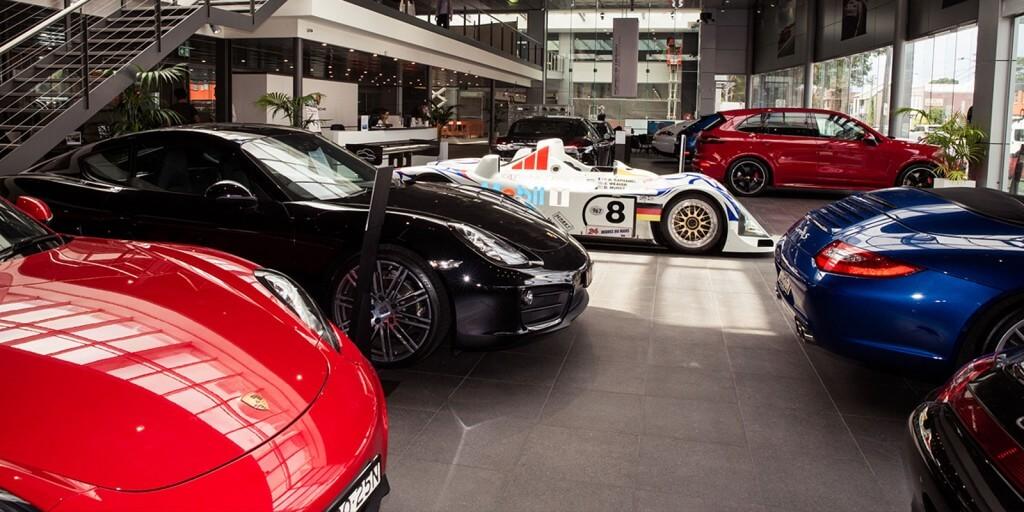 Porsche_showroom_3_lower_image
