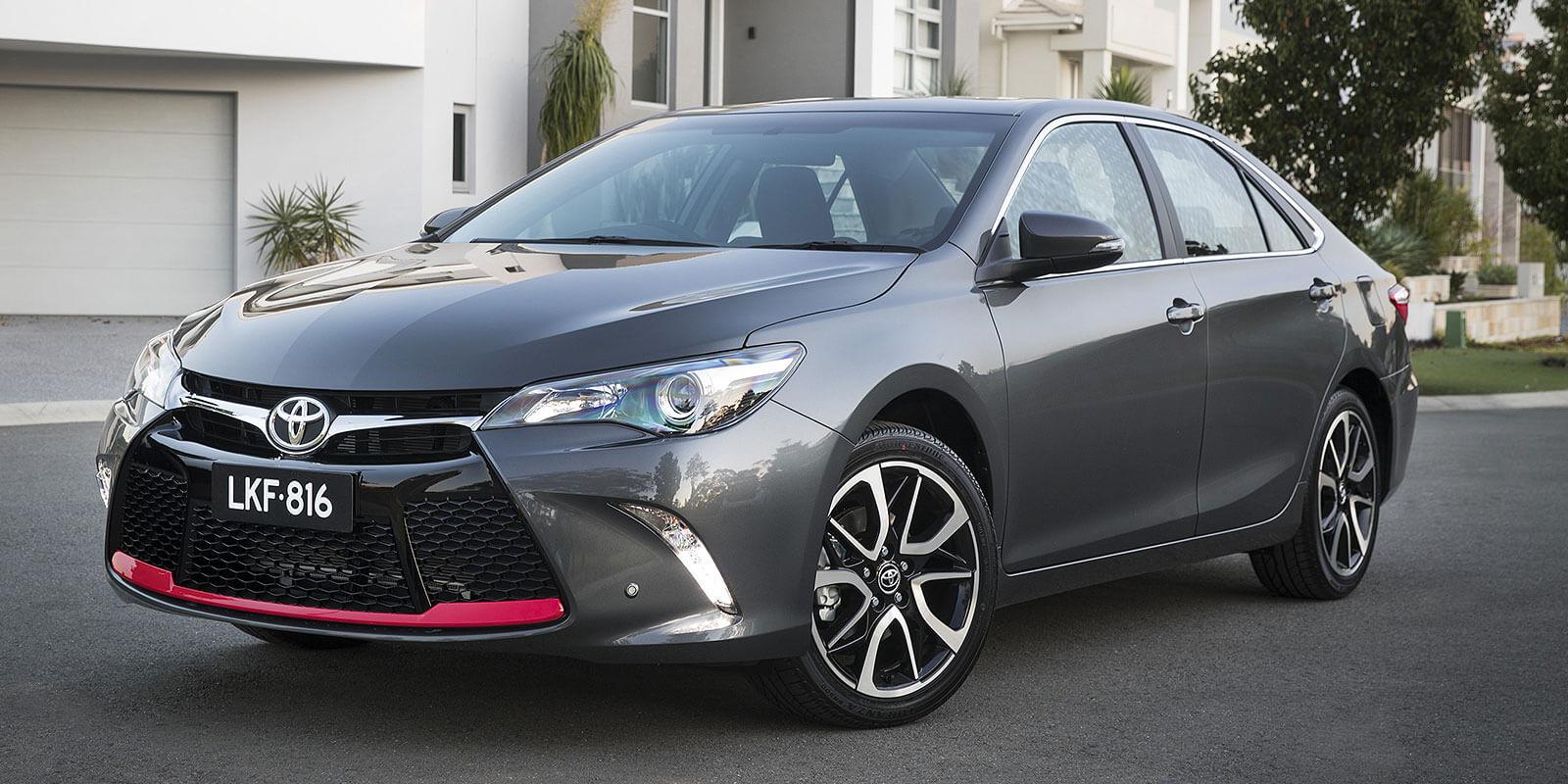 Toyota_camry_2